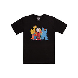 Shirt neckS men deSignS online shopping - Uniqlos sesame street family design black and white T shirt size m xxl round collar T shirt casual short sleeve printed shirt for men and