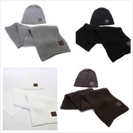 $enCountryForm.capitalKeyWord Australia - 2019 Hot Hat Scarf Sets Men And Women Designer Hat Scarf Sets Warm European High-end Luxury LOVE Brand High Quality Hat Scarf Fashion Access