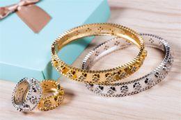 $enCountryForm.capitalKeyWord Australia - Fashion Flowers Classic Rings Bracelets Designer Luxury Rings Bangles Sets High Quality Gold Silver Women Wedding Jewelry Set Lover Gift