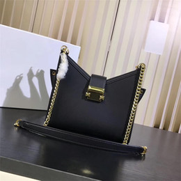 $enCountryForm.capitalKeyWord NZ - 2019 new fashion leather one-shoulder rivet lock female bag rivet star slanting envelope chain bag, hand-made details fine, package type 998
