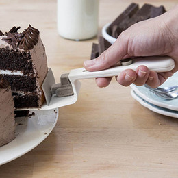 $enCountryForm.capitalKeyWord Australia - Kitchen Gadget DIY Bread Pizza Shovel Baking Tool Creative Multi-function Bulldozer Shape Cake ShovelNew product wholesale YT0048