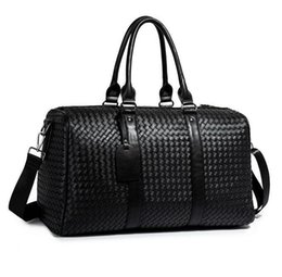 $enCountryForm.capitalKeyWord NZ - Factory wholesale brand men handbag new hand-woven black handbags classic woven leather travel bags outdoor travel fitness leather handbag