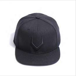 7fa0c0243479a men V hats Leather baseball caps luxury lady fashion embroidery hat trucker  casquette women causal ball cap