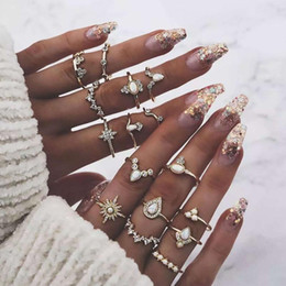 wholesale vintage style crystal rings UK - Rings 16 Pieces Set Water Drop Crown Finger Rings Girls Women Vintage Style Alloy Chic Rhinestone Jewelry