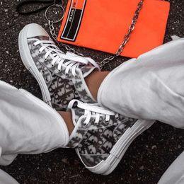 Dior Converse KAWS B23 Kim Jones Low Oblique AJ1 Bleu Running Shoes Kanye West Designer Luxury Air Basket Top High B22 B24 Women Men Sneakers Casual Shoes 36-45
