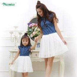 clothes for moms daughters UK - Mother Daughter Dresses 2020 Summer Family Clothing Mom and Daughter Dress Family Matching Outfits Dress for Kids and Women CX200605