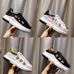 $enCountryForm.capitalKeyWord Australia - New Fashion Style bee Hot Sale Brand Top Quality Model Queen Shoes Lace Sneakers Women Genuine Leather Casual Couple Shoes Eur35-40