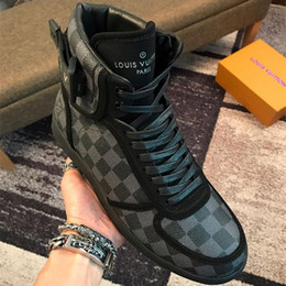 $enCountryForm.capitalKeyWord NZ - Newst Designers Brand Men Casual Shoes High Quality Leather Men High Top Shoes Fashion Sneakers Breathable Hip Hop Shoes Mens Brand PU