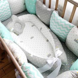 Последние Baby Sleep Nest Bed Съемный Новорожденный Protector Подушка Хлопок Младенец Шпаргалка Колыбель Babies Cot Bassinet на Распродаже