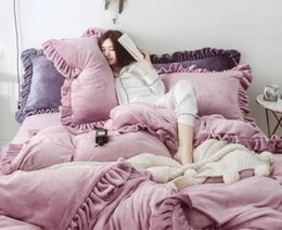 pink ruffle bedding 2019 - Girl Room Fashion Bedding Suit Quilt 4PCS Full Queen King Size Bed Cover Winter Thicken Warm Bed Cover Sets cheap pink r