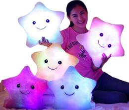 Светодиодная вспышка света Держите подушку пять звезд куклы плюшевые животные мягкие игрушки 40 * 35см освещение игрушка подарков Дети Рождественский подарок Фаршированные Плюшевые на Распродаже