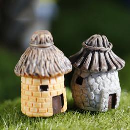 $enCountryForm.capitalKeyWord Australia - ZOCDOU 2 Pieces Old House Hut Model Small Statue Figurine Crafts Russia Figure Ornament Miniatures Home Garden DIY Decoration