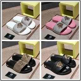 Soft Soled Shoes Australia - New fashion men and women Summer simple soft sole comfortable waterproof wear-resistant flat sole SANDALS BEACH SHOES couple slippers