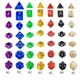 Großhandel 7Pcs facettenreiche Würfel für Brettspiele, digitale Würfel, Spielwürfel, Spielzeug-Kit vierzehn Farben