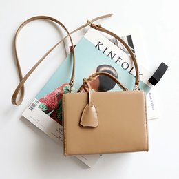 box handbags NZ - Overseas2019 The Finalize Year Design Case High Quality Cowhide Box Shape Single Shoulder Handbag Tide Package Fund