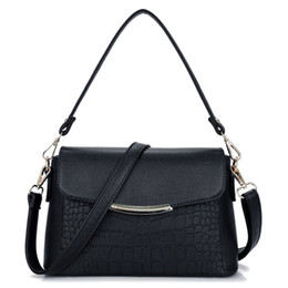 Quilted Handbags Chains NZ - Diamond Lattice Women Handbag Leather Classic Chains Designer Shoulder Bag Flap Bags Quilted Crossbody Bags Pt948