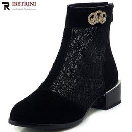 e2dcf1e758 RIBETRINI Nova Moda 2019 Dropship Venda Quente Tamanho Grande 33-43 Sapatos  Básicos Mulher Botas de Salto Quadrado Botas de Verão Mulher Sapatos