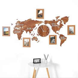 Wholesale Creative Wooden World Map Wall Clock with 3 pieces Photo frame 3D Map Decorative Home Decor Living Room Modern European Style Round Mute