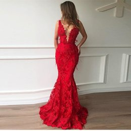 Crystal floral piCks online shopping - 2019 Elegant Floral Lace Red Mermaid Prom Dresses Sexy Long Evening Formal Gowns With Feather Formal Party Dresses Vestido Formatura BC2304