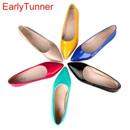 green flats NZ - Brand New Hot Sale Blue Red Yellow Black Green Glossy Patent Leather Women Nude Flats ladies Shoes AV123 Plus Big Size 49 10 13 S200401