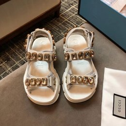 platforms shoes for women Australia - Luxury women platform sandals With nail Letter flats sandals Men high quality genuine leather classic casual shoes for women With box