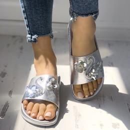 $enCountryForm.capitalKeyWord Australia - Summer Shoes Women's Ladies Sequins Bling Swan Outdoor Flat Beach Sandals Shoes Slippers Gold Sliver Peep Toe Beach