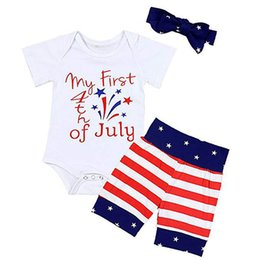 Three Piece Suit Bow Australia - Baby Jumpsuit Clothing Sets Three Piece Suit Striped Shorts American Flag Independence National Day Striped Printed Bow Headband