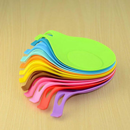 Round tRays online shopping - Silicone Spoon Insulation Mat Silicone Heat Resistant Placemat Tray Spoon Pad Drink Glass Coaster hot sale Kitchen Tool