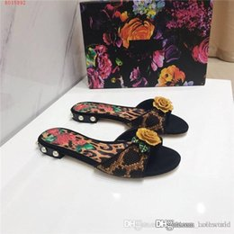lady slipper flowers NZ - Spring And Summer Necessary Style The Latest Big flower Slippers Exclusive Bow Ladies Slippers fashion flat shoes