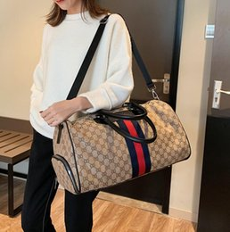 Large canvas cLutch online shopping - New type of traveling bags for men and women clutch office handbags large capacity short distance travel bags business single shoulder slant