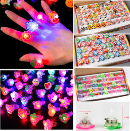 $enCountryForm.capitalKeyWord UK - Theme Party Night Toys Children's Glitter Soft Rubber Ring Glowing Led Fingers Christmas Halloween Glow Cartoon Finger Light LED Gadget CY31