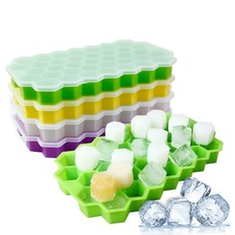Ice Block Trays Australia - 37 Grids Honeycomb Ice Block Maker With Lid 4 Colors Ice Cube Tray Bar Kitchen Supplies Silicone Ice Tray Maker 10 Pieces DHL