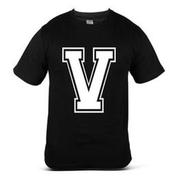 a2ae853f79d34 7010-BK V Alphabet Wort Brief Schrift Slogan Fresh Indie Black Mens T-Shirt  großhandel Casual Oansatz Druck Tops t shirts Männer Hohe Qualität