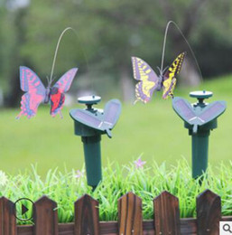 plastic hummingbird toy Canada - Solar Power Dancing Flying Butterflies Fluttering Vibration Fly Hummingbird Flying Birds Garden Yard Decoration Funny Toys YYSY327