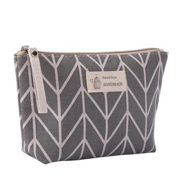 $enCountryForm.capitalKeyWord Australia - Women Plaid Travel Cosmetic Bag Makeup Bags Handbag Female Zipper Purse Small Make Up Bags Travel Beauty Organizer Pouch