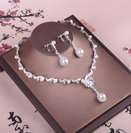 Pearl Sets Australia - Shinning Pearls Bridal Jewelry 2 Pieces Sets Necklace Earrings Bridal Jewelry Bridal Accessories Wedding Jewelry T213015