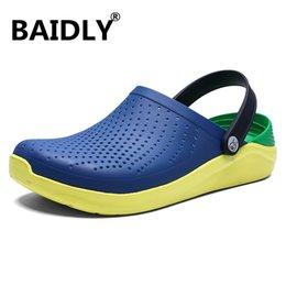 $enCountryForm.capitalKeyWord Australia - New Clogs Men Sandals Summer Slippers Men Outdoor Beach Casual Shoes Cheap Garden Male Sandals Water Shoes Sandalia Masculina