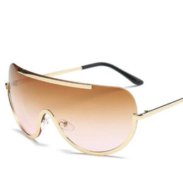 Chinese  Oversize Shield Sunglasses Women Big Frame One Piece Summer Cool Sun Glasses Gradient Color Eyewear OOA7032 manufacturers
