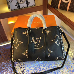luxury chains Australia - NEW Fashion Bags Ladies handbags design bags women tote bag luxury brands bags Single shoulder bag backpack 867