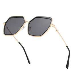 sunglasses round face men UK - Top quality men's women's clothing brand designer gold big box square metal sunglasses polygon sunglasses trend big box face-lift sunglasses