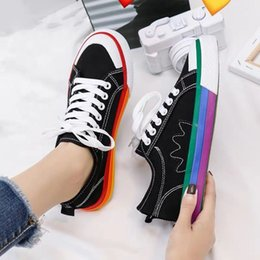 Femmes Flats Sneakers chaussures confortables hommes plat Old Skool filles Chaussures Casual Couple 2019 Chaussures Sneakers Mode Femme en Solde