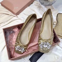 $enCountryForm.capitalKeyWord Australia - Women's shoes, new high-quality Glitter sequins pure hand-made water diamond square shoes, fashionable comfortable flat sole single shoes