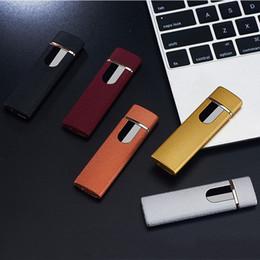Venta al por mayor de Moda a prueba de viento encendedor de cigarrillos electrónico sin llama interruptor de pantalla táctil portátil colorido USB recargables encendedores de regalo VT0638