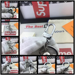 $enCountryForm.capitalKeyWord Australia - 19ss Brand designers Fashion Robot Pattern Keychains Coin Holder Metal Key Ring Party Gift with box