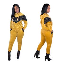 2019 New Chegou Mulheres Casual Roupas Esporte Set Moda Costura Lantejoulas Senhoras Com Capuz Casuais Terno De Flanela De Alta Qualidade Treino S-XXL venda por atacado