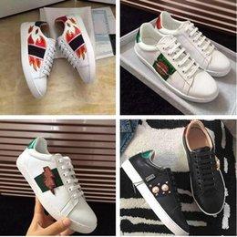 $enCountryForm.capitalKeyWord Australia - High Quality Man Woman Casual Shoes Fashion Designer Appliques Pearl White Cheap Sneaker Show Shoe With Box Size 35-44