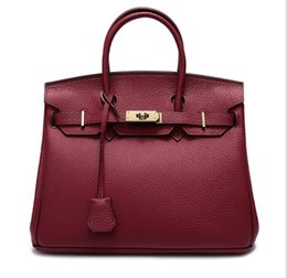Platinum Ladies Handbags Australia - Women's single shoulder bag lady handbags in Europe and the big litchi grain platinum baotou layer cowhide bill of lading shoulder BaoSuo ha