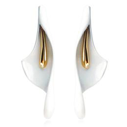 $enCountryForm.capitalKeyWord UK - Classic White Imitation Ceramic flower Stud Earrings For Women girls Fashion Wedding Bride Jewelry Gift Brincos