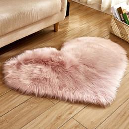 $enCountryForm.capitalKeyWord NZ - 17 Color Heart Shape Mat Plush Imitation Wool + Imitation Chamois Carpet Cute Decoration Bedroom Fashion Carpet
