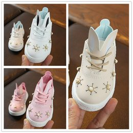 49f9ba505 Meninas orelhas de coelho sapatilhas 3 cores para 1-5T bonito pérolas de  acrílico mosaico sapatos esportivos casuais crianças sola macia sapatos  para a ...